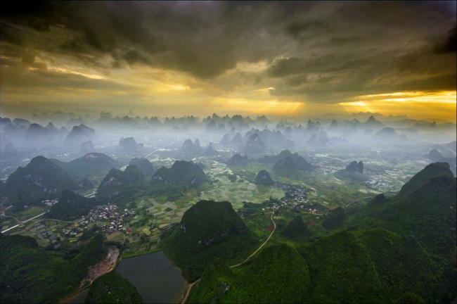 Floating over Yangshuo - photos by Karl Willson