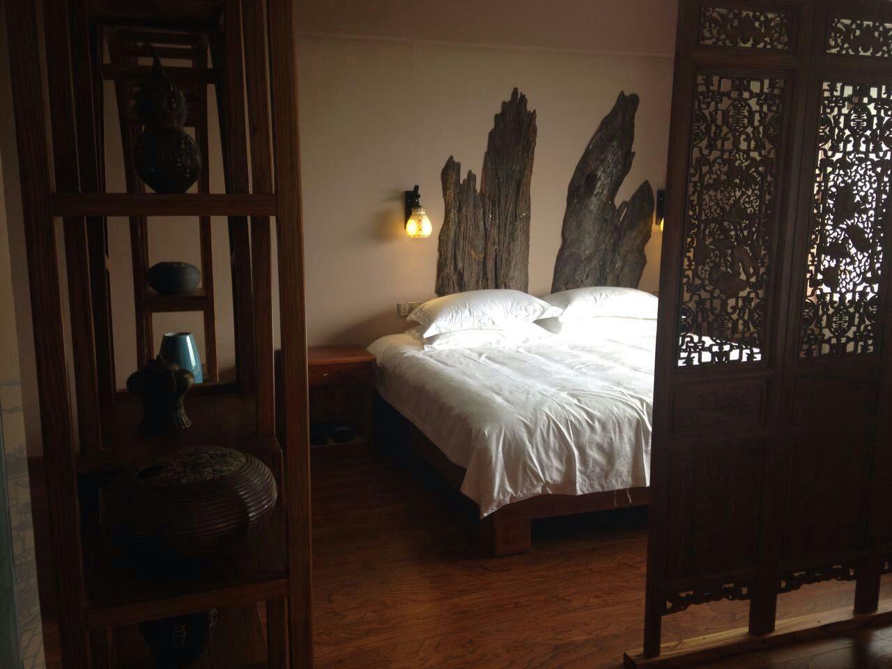 Inside_A_Room